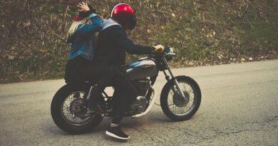 přilba na motorku