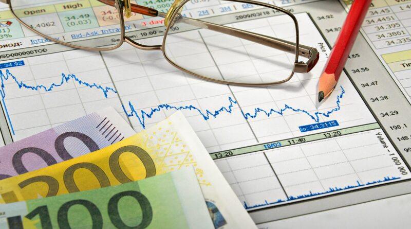 Money Businesses Finances  - ds_30 / Pixabay