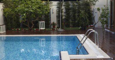 Pool Home Luxury Swim Water Blue  - Engin_Akyurt / Pixabay