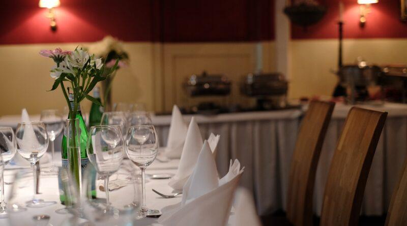 Restaurant Empty Table Empty Cafe  - nali_wike / Pixabay