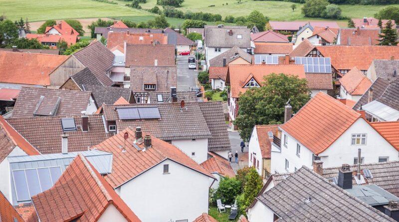 Settlement Village Houses Roofs  - alexanderjungmann / Pixabay